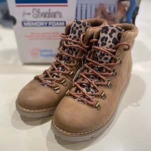 NEW Skechers Bobs Gato Leopard Lace Up Boots